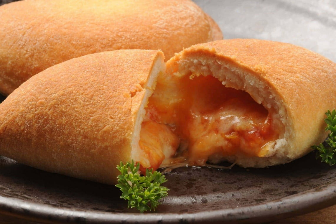 panzerotti what to eat in puglia